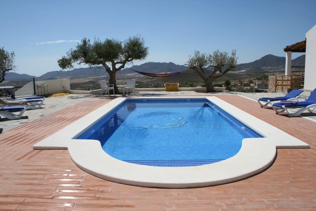 Alquiler casa con piscina vacaciones rural for Alquiler de chalet con piscina para vacaciones